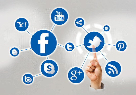 social-media-icons-pointing-finger